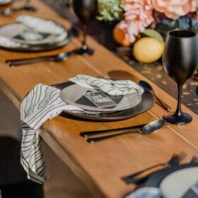 Modern Dinner Party - Villa Morel